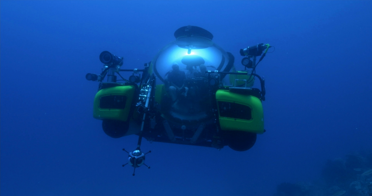The Triton 3300/3 submarine armed with cameras