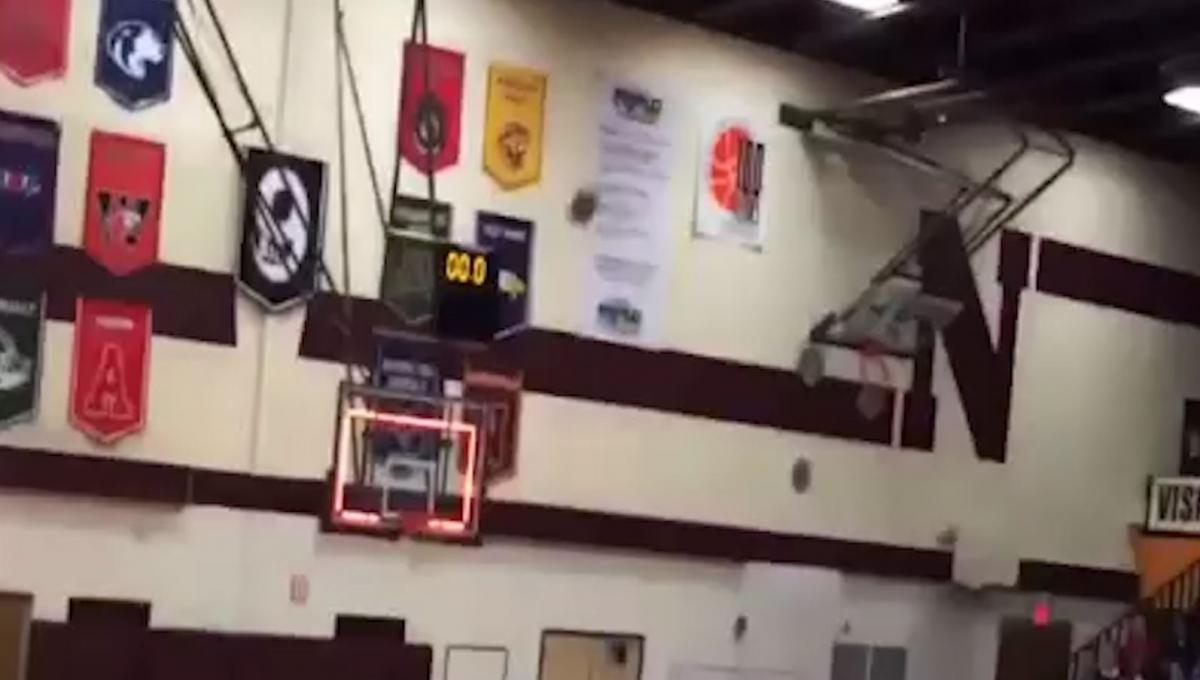 Amazing last minute three-pointer