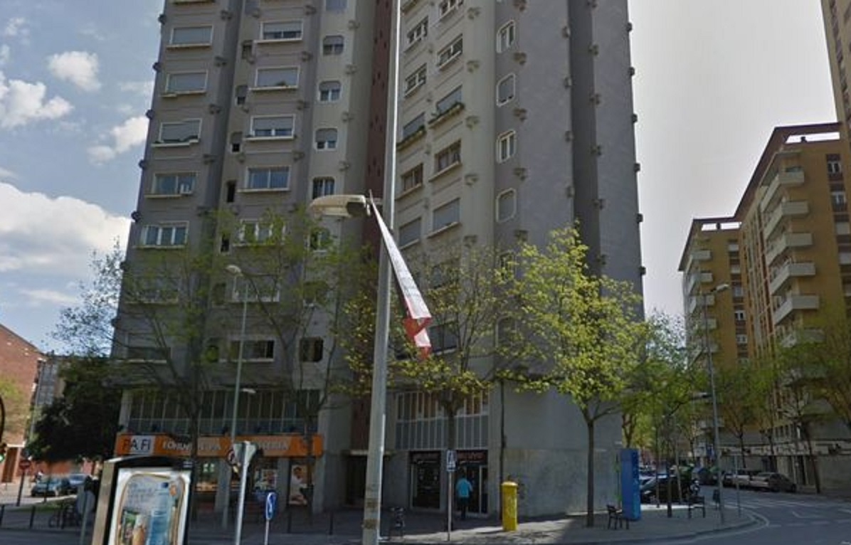 Spain mother throws daughters to death from 13th floor of for 13th floor in buildings