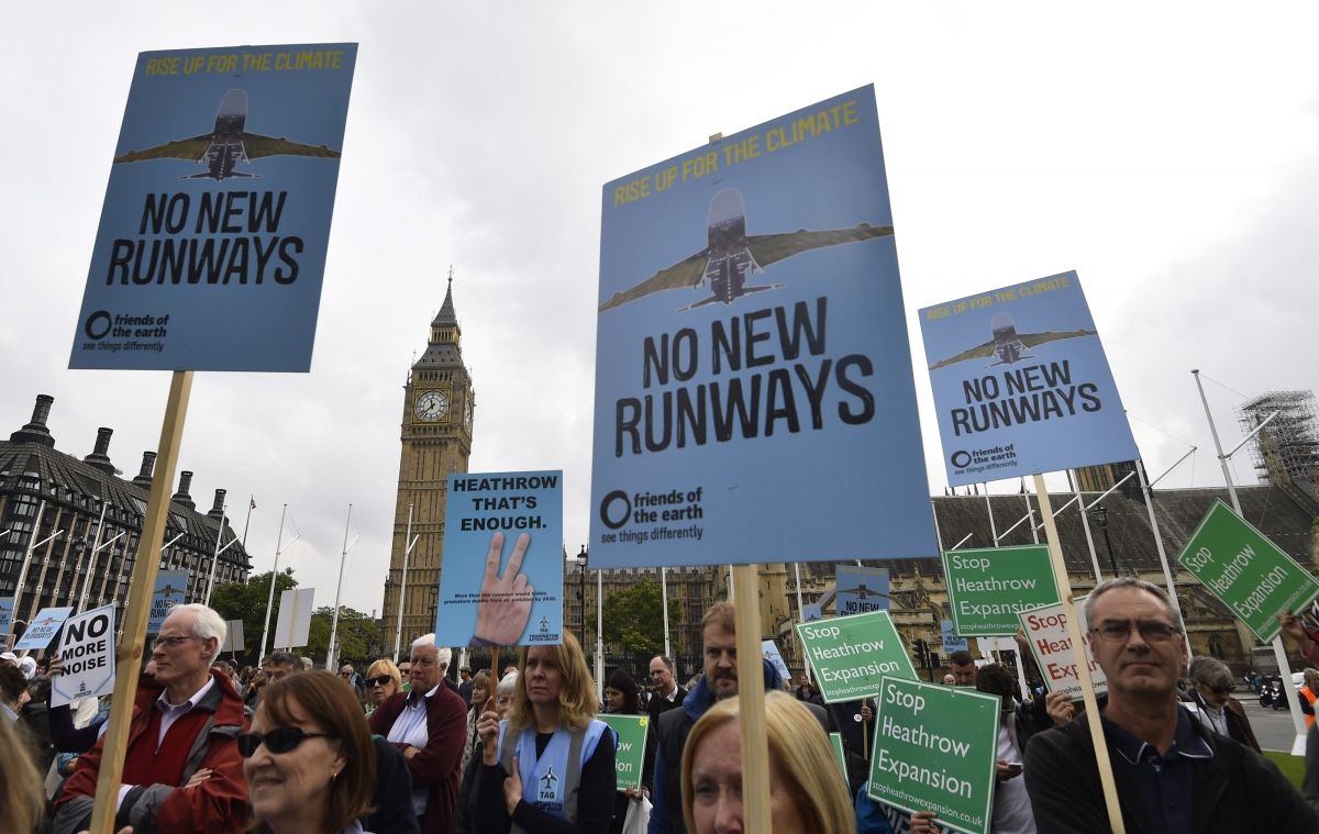 Heathrow plans delayed