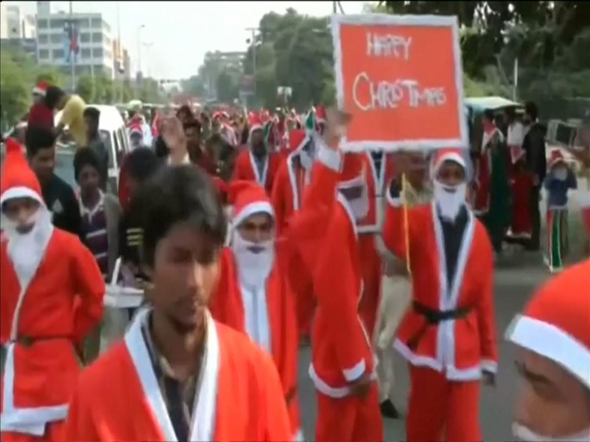 Santa Claus parade in Pakistan