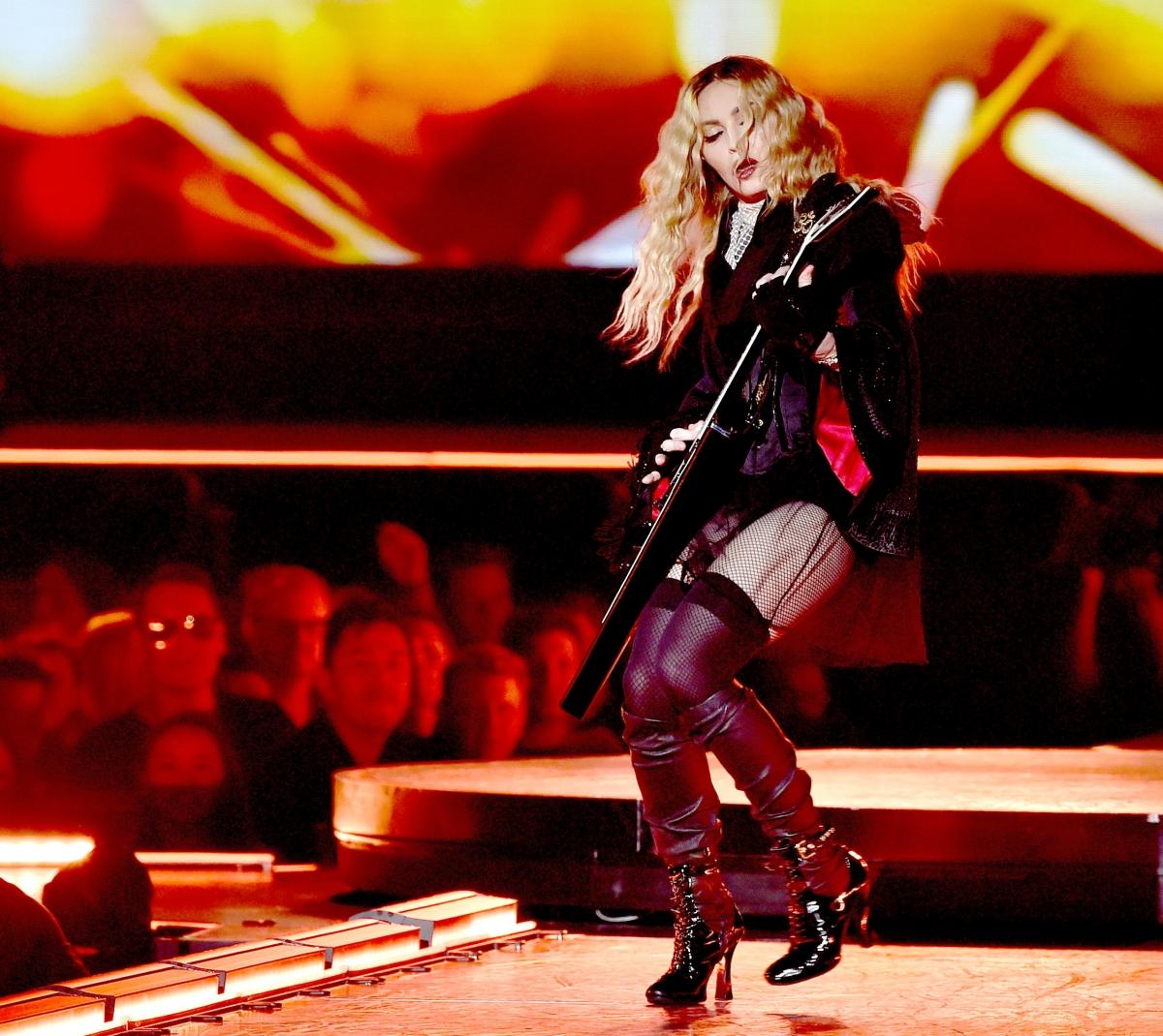 Madonna in concert - 1 7