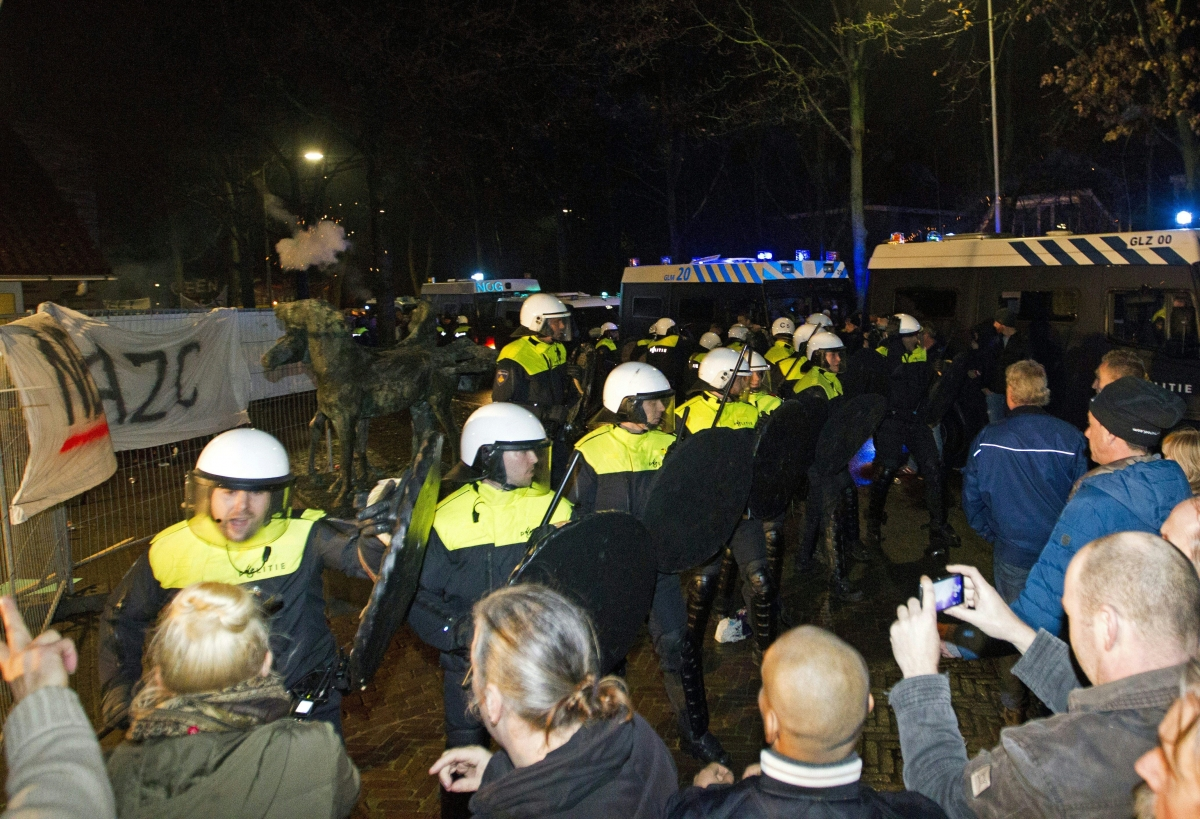Anti-Migrant riots Netherlands