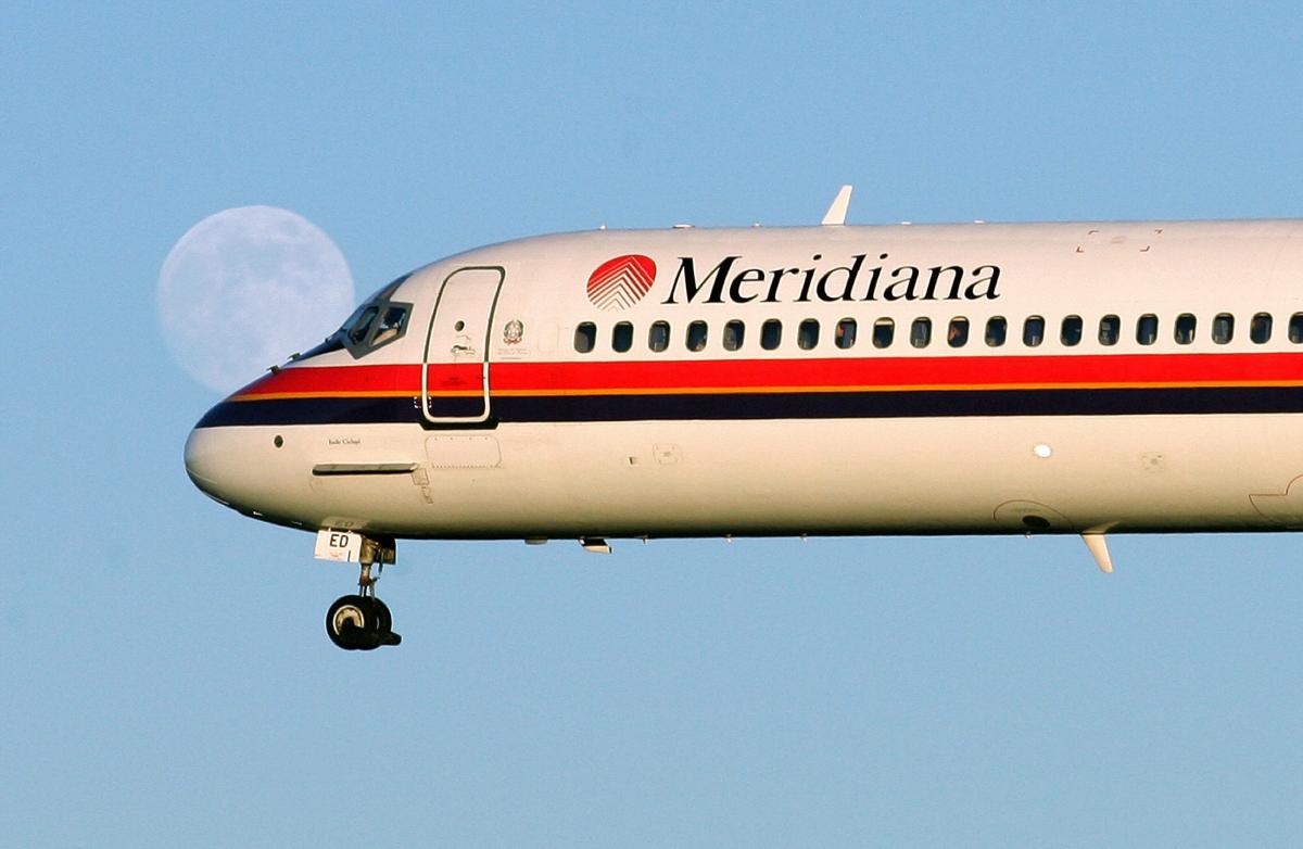 Meridiana Flight loses wheel Catania