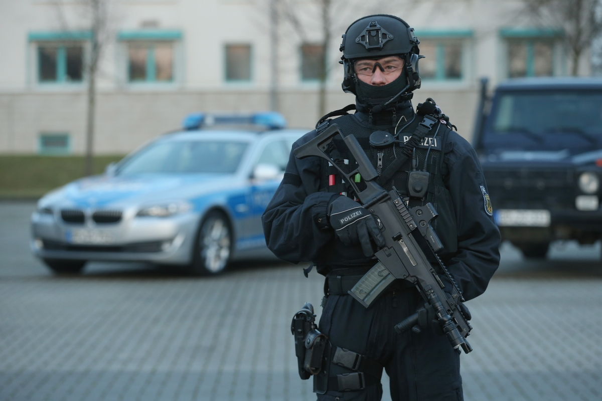Member of a German police anti-terror unit