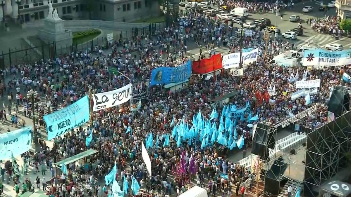 Argentina pro-media law protest