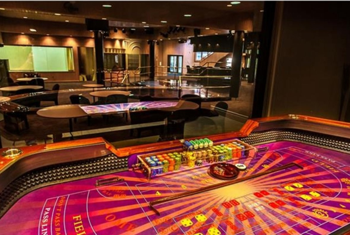 The nightclub at 50 Cent's mansion