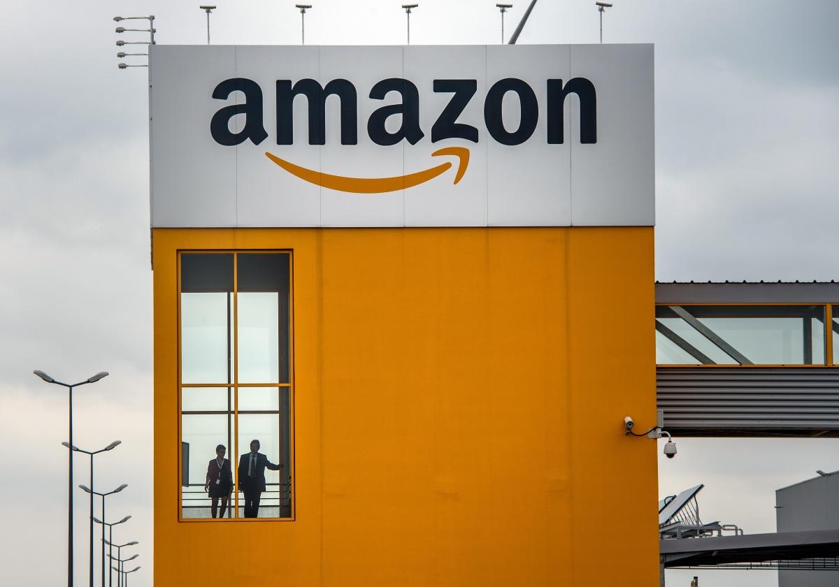 Amazon to lease Boeing jet