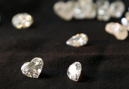 Rio Tinto's rare pink and blue diamonds has attracted an unprecedented number of investor interest, particularly from Asian and European buyers, despite the world being in a massive fiscal crisis.