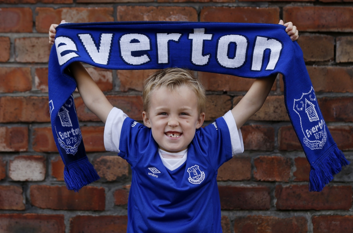 Everton in talks to be acquired for £200m by a consortium that includes John Jay Moores and Charles Noell