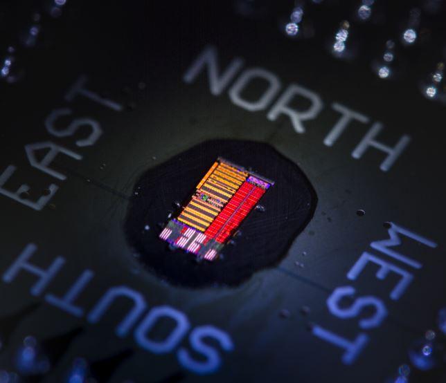 Light-based microprocessor