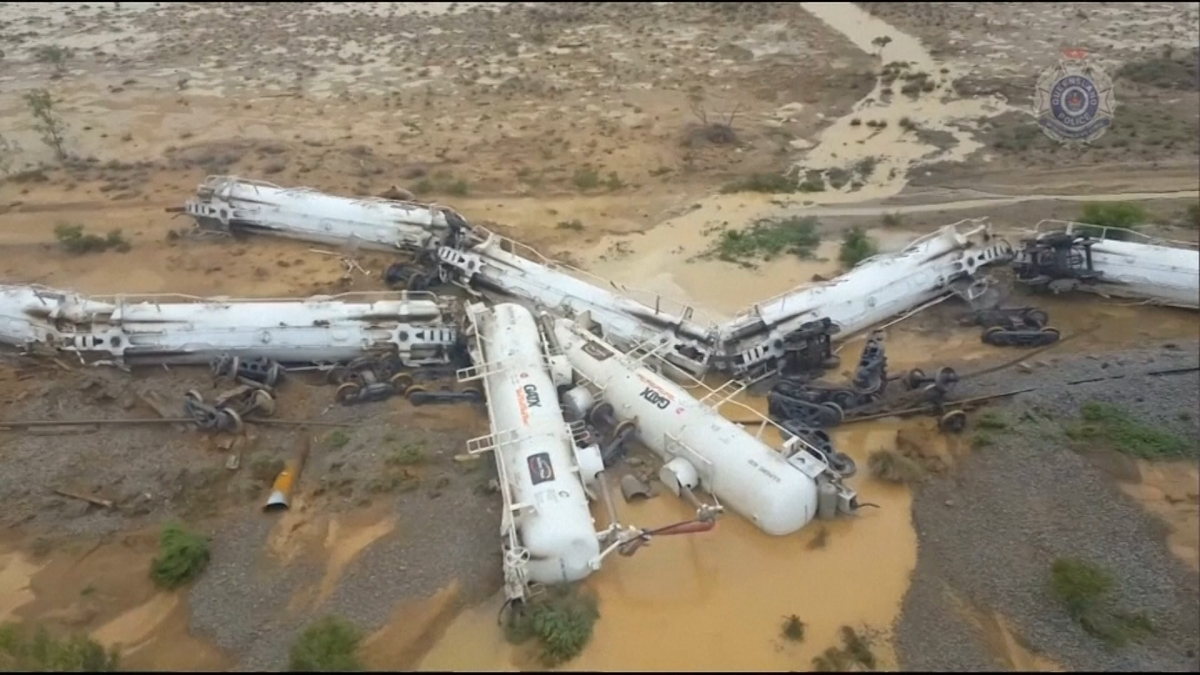 Australia train derailment