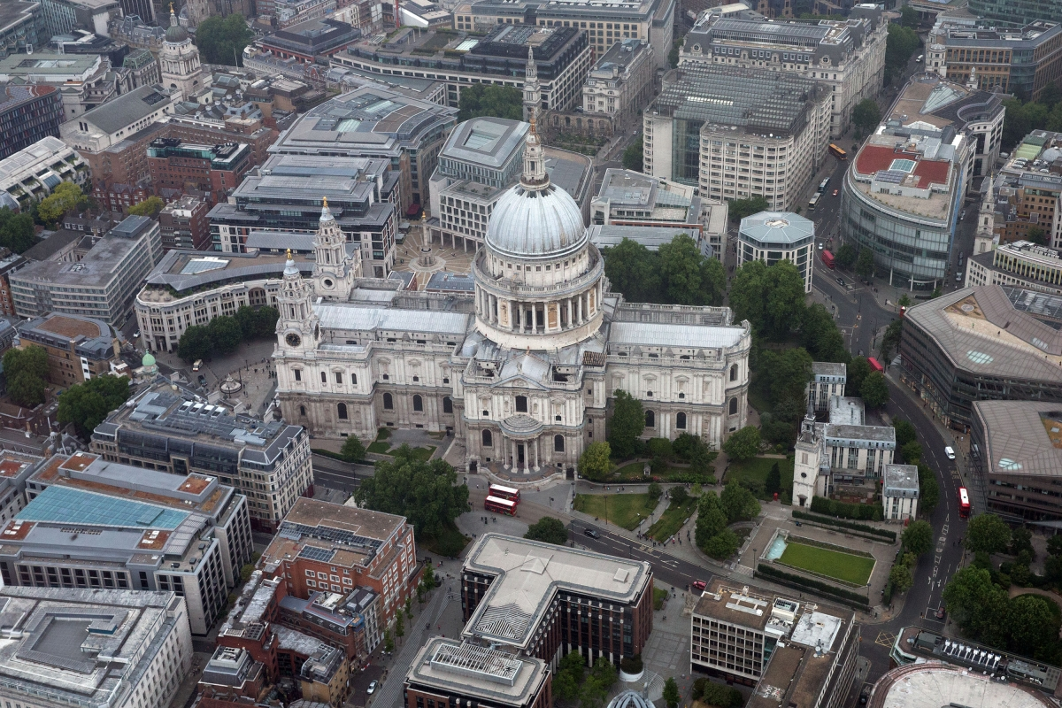 St Paul's station placed in lockdown over 'suspicious package'