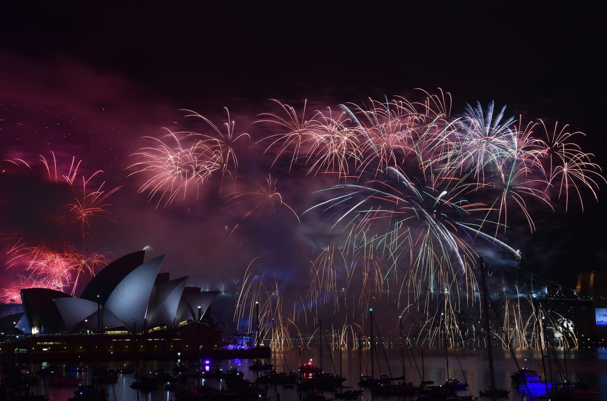 Sydney NYE Fireworks 2015