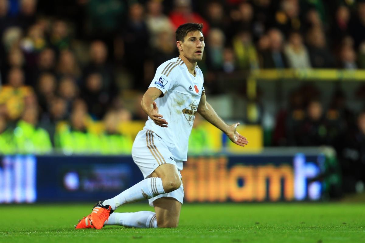 Federico Fernández Wallpaper: Manchester United Vs Swansea City: Federico Fernandez