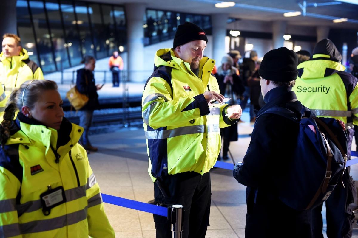 Officials perform border checks