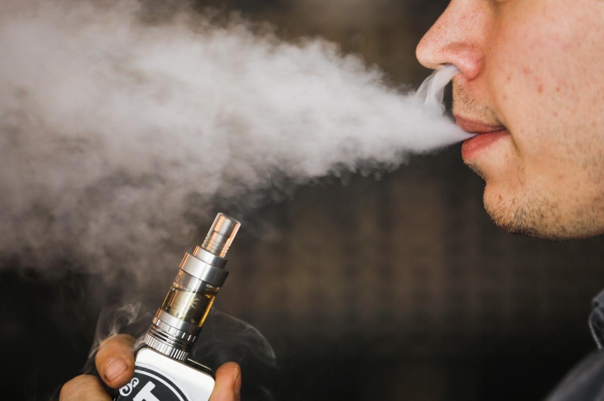 E-cigarette vapour