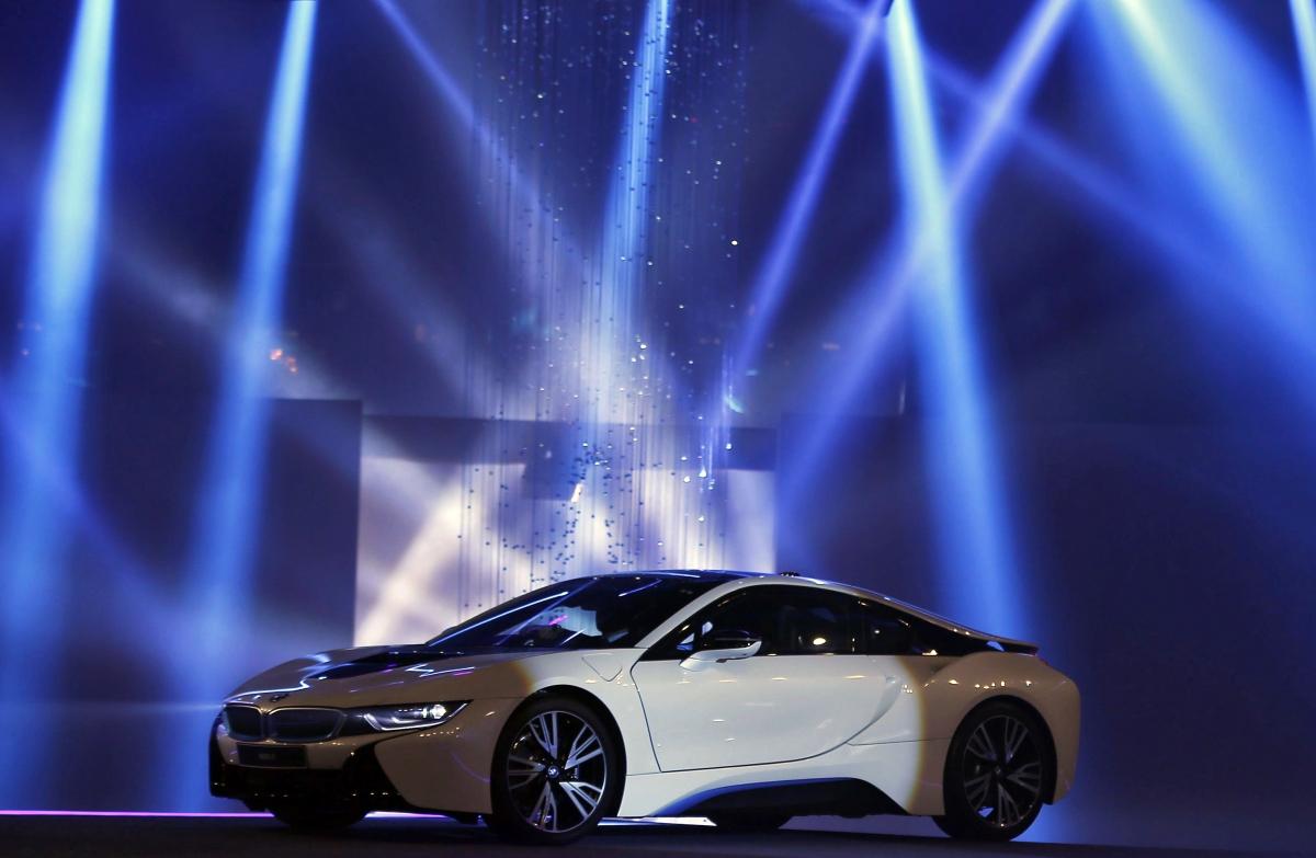 CES 2016: BMW reveals i8 Mirrorless concept car