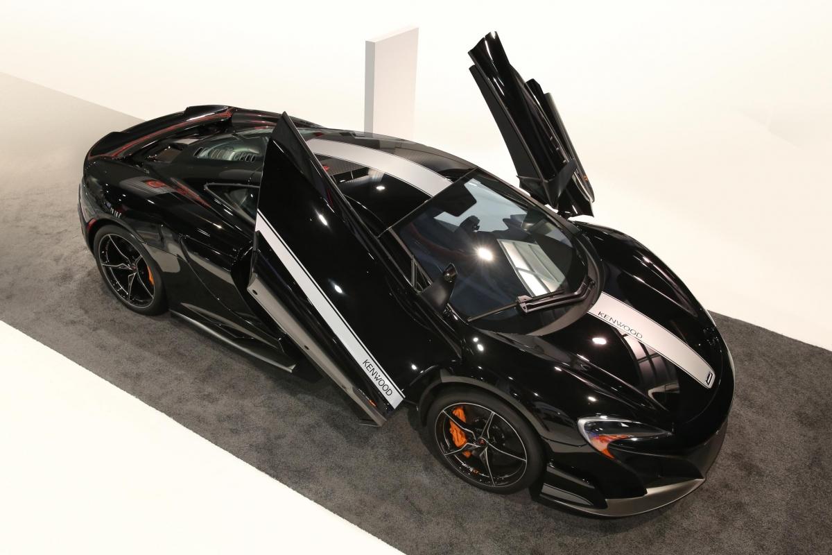 McLaren 675LT Kenwood CES