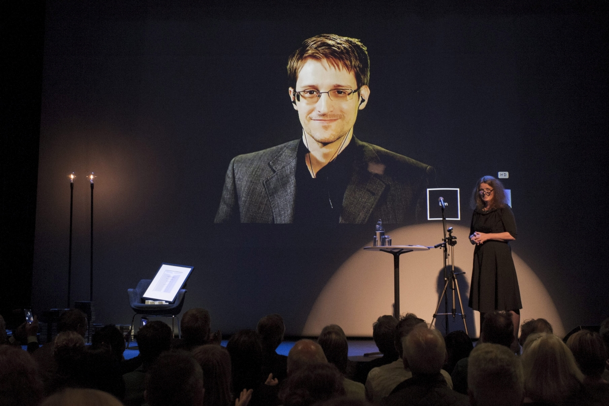 Snowden appears at CES in robot form