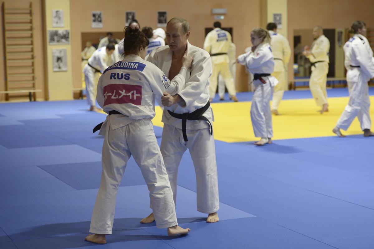 Vladimir Putin judo fight
