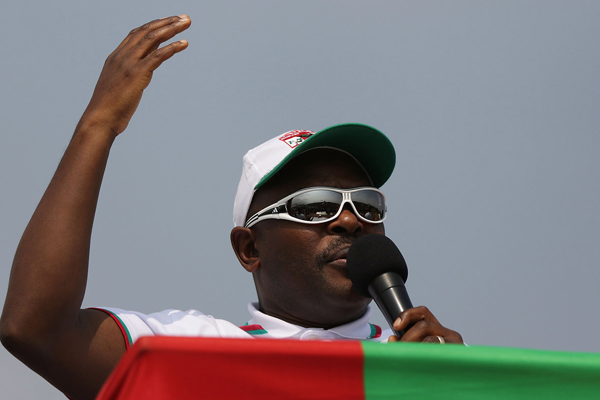 Burundi: Pierre Nkurunziza campaign rally