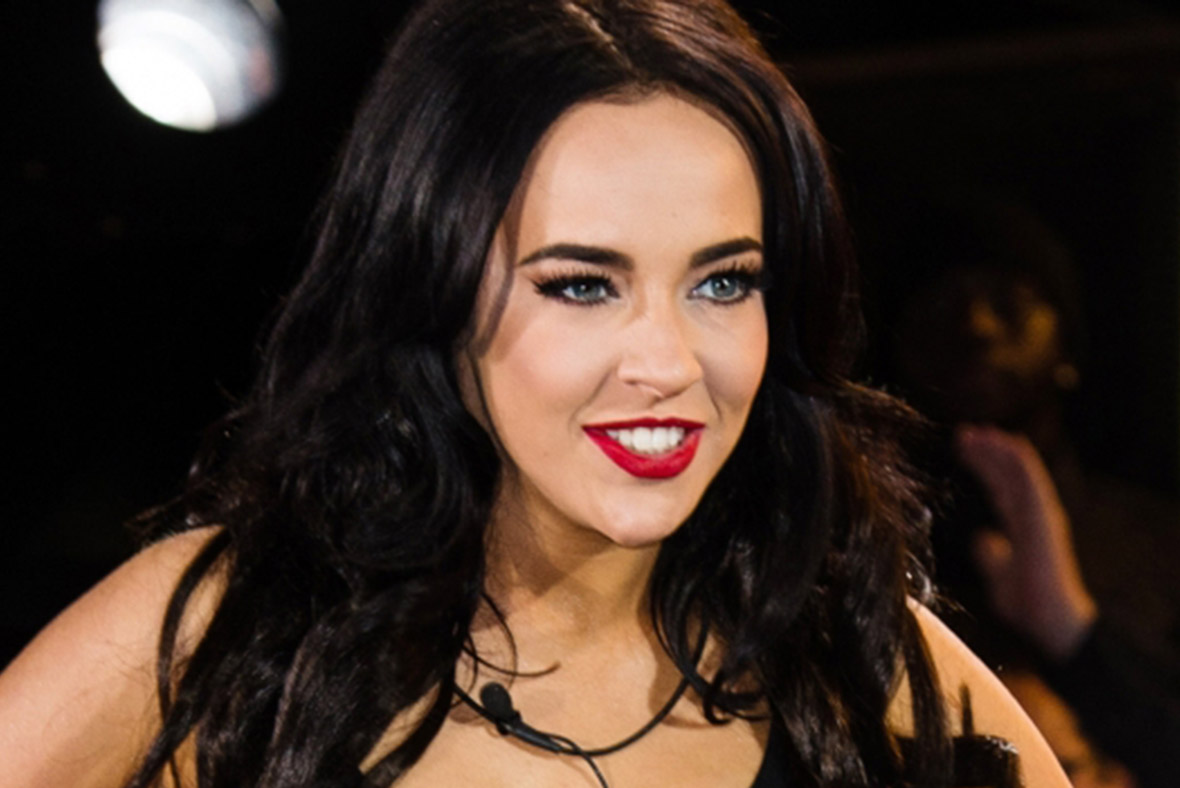 Stephanie Davis earned a  million dollar salary - leaving the net worth at 1.5 million in 2018