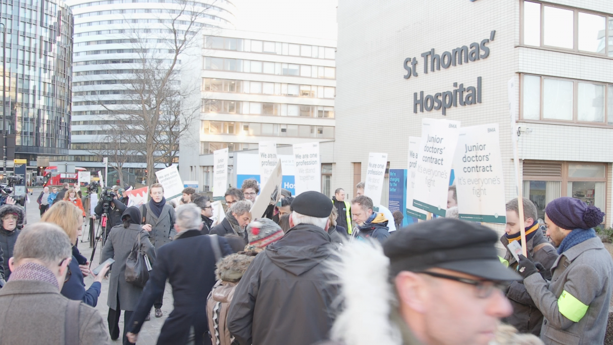 Junior Doctors protest at St Thomas'