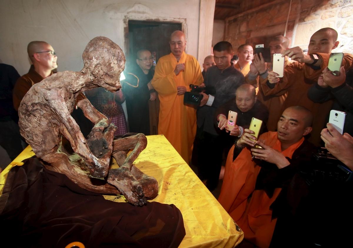 Mummy of Chinese monk Fuhou