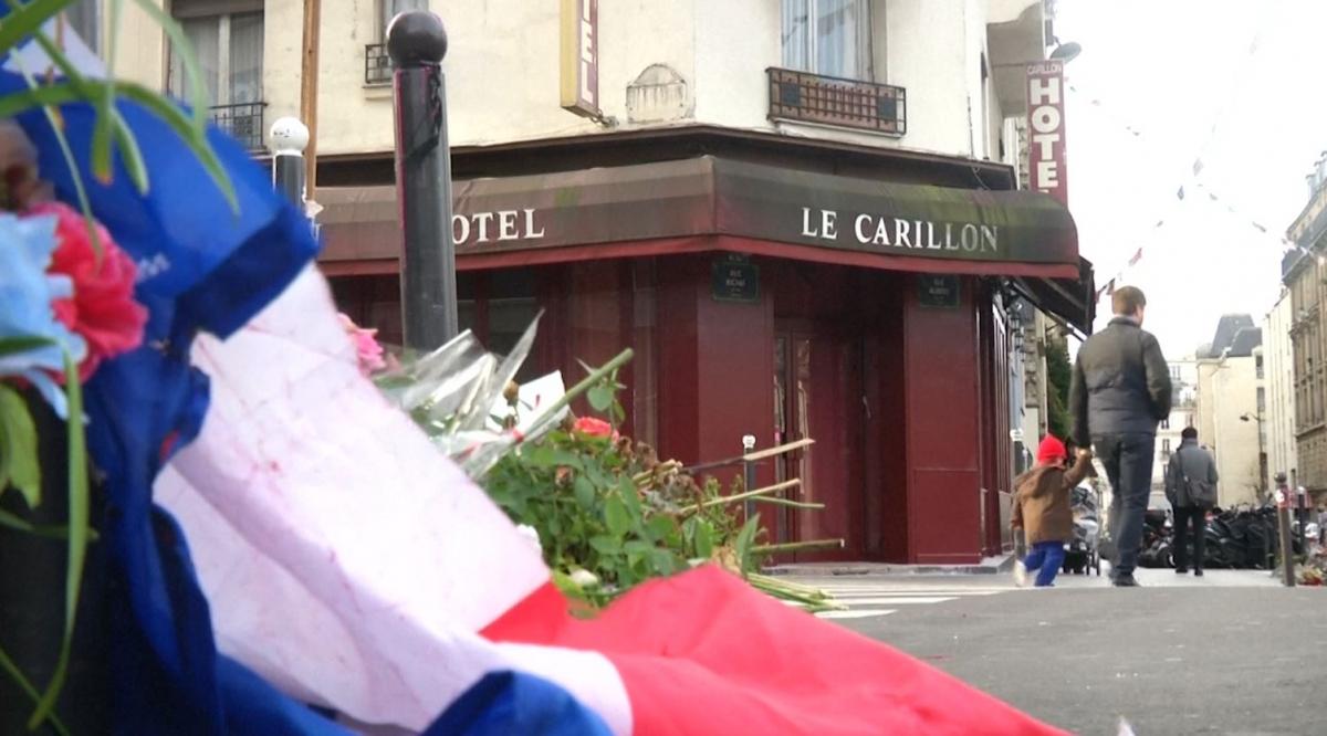 The Carillon in Paris