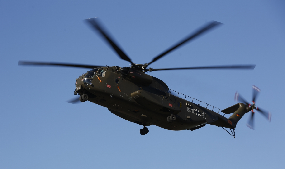CH53 transport helicopter
