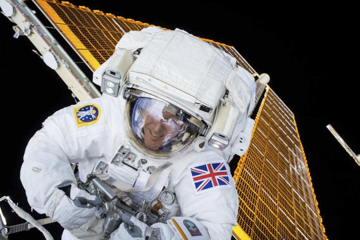 Tim Peake spacewalking