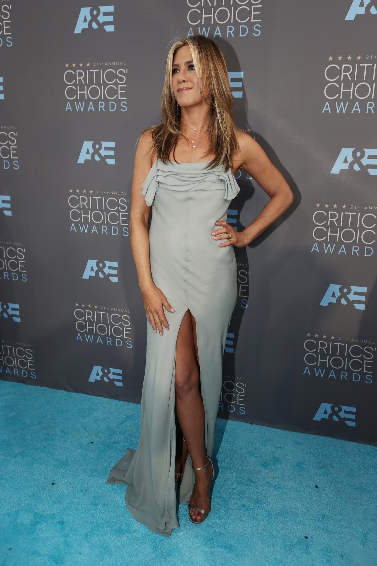 Jennifer Aniston In Pantyhose
