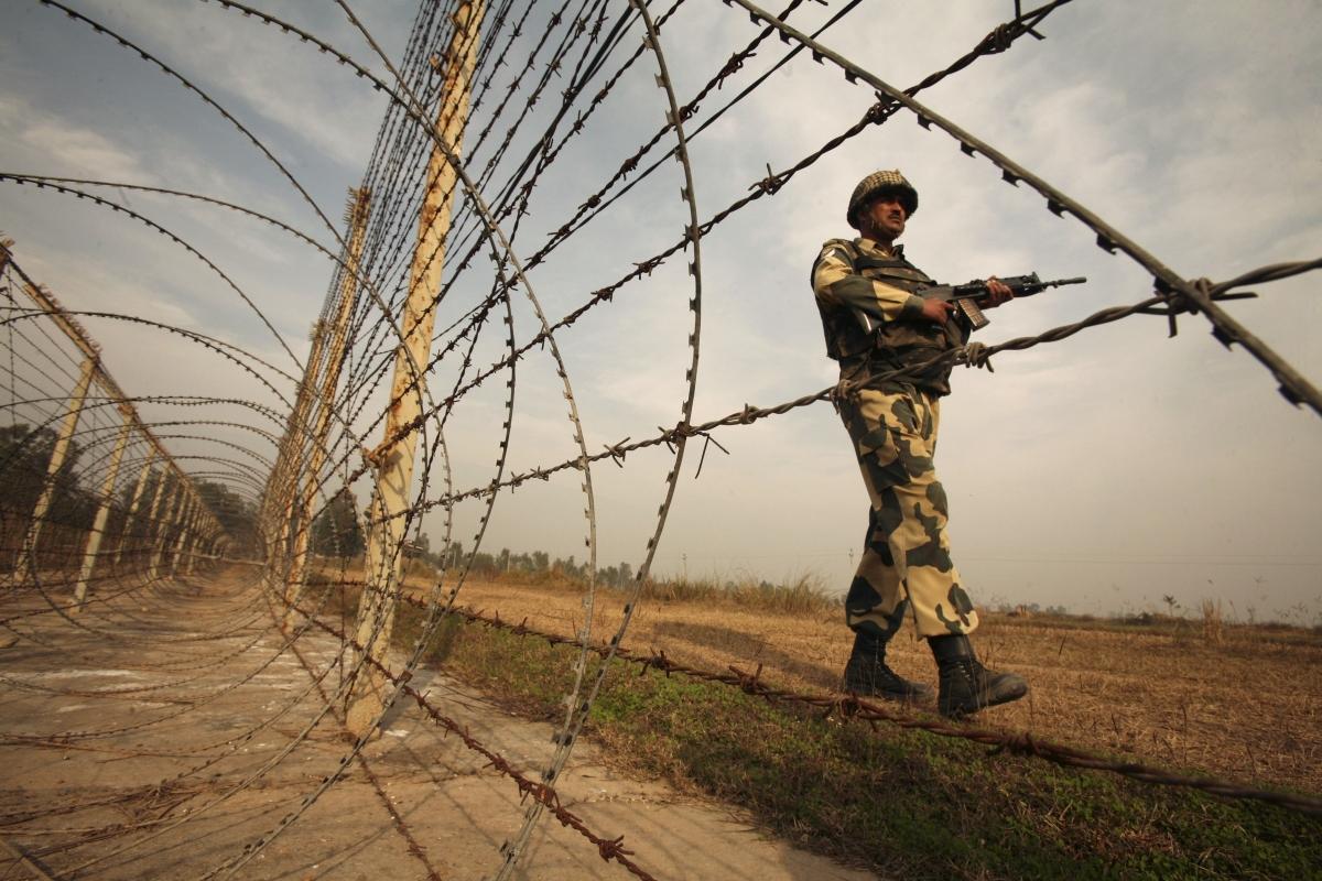 India laser beams Pakistan border