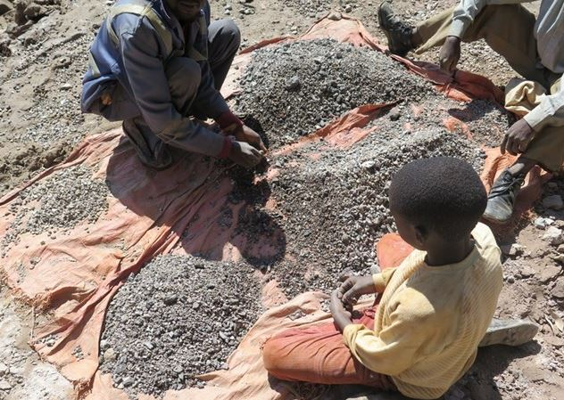 Child labourers at cobalt mines