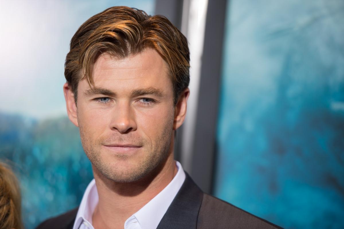 Chris Hemsworth respon...