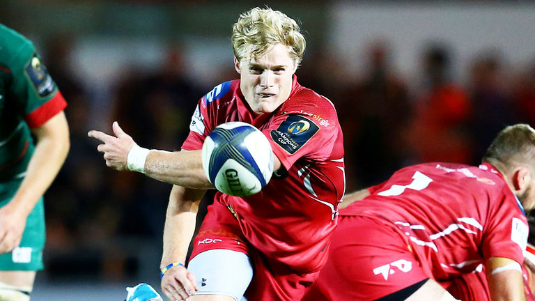 Aled Davies playing for Scarlets