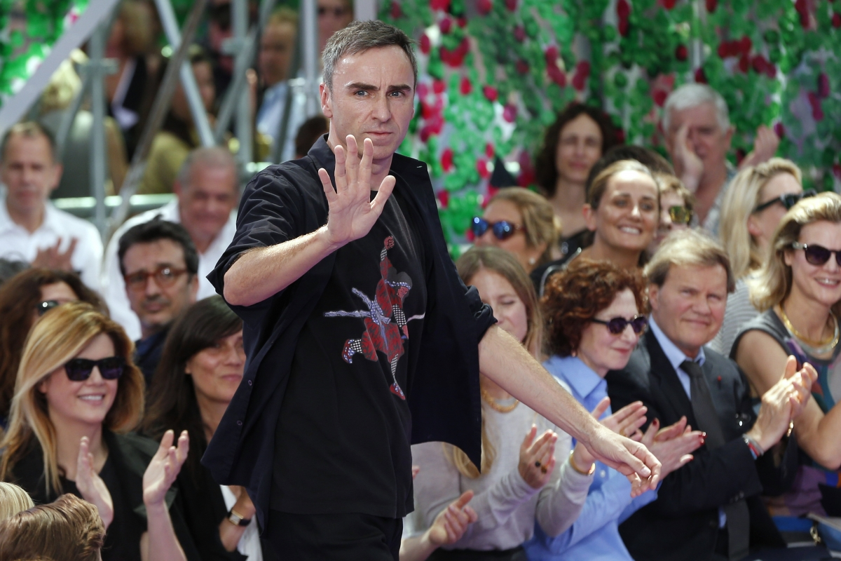 Raf SImons leaves Dior