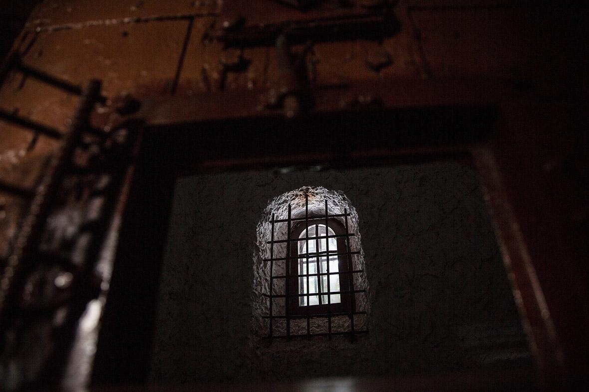 tobolsk-prison-castle.jpg