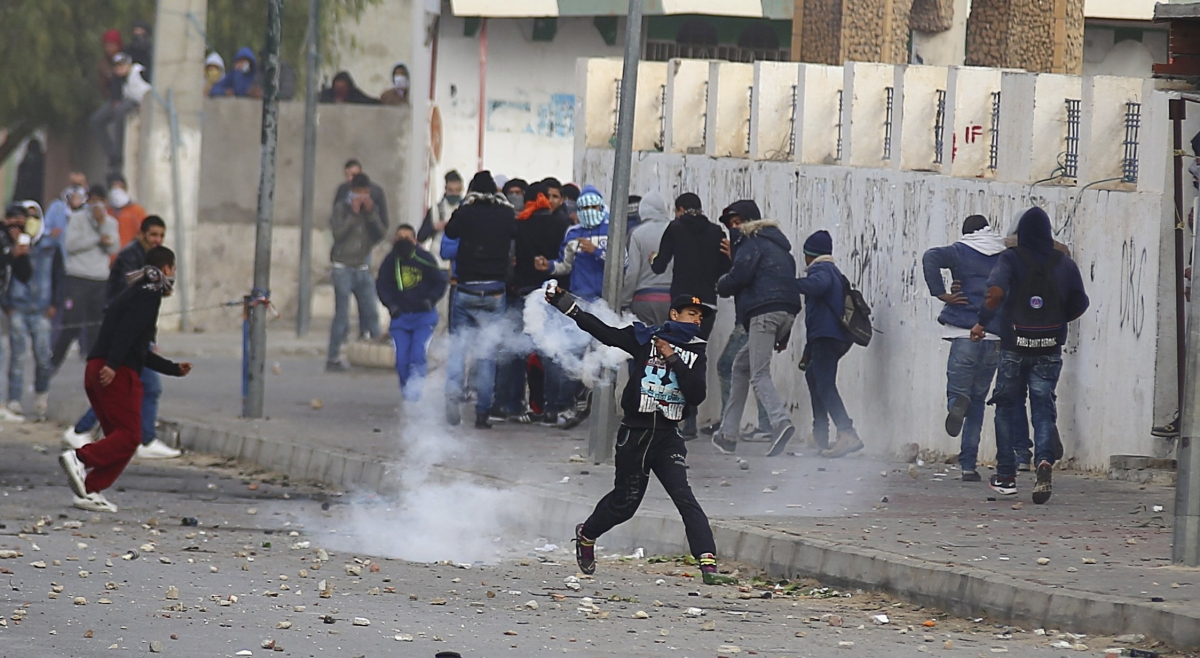 Tunisia: Violence on the streets of Kasserine as youth ... Arab Spring Violence