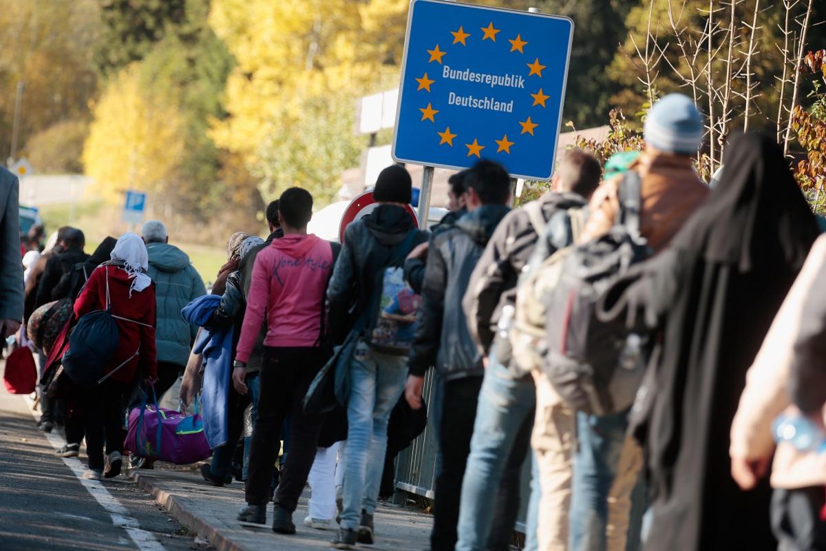 Refugees cross the border