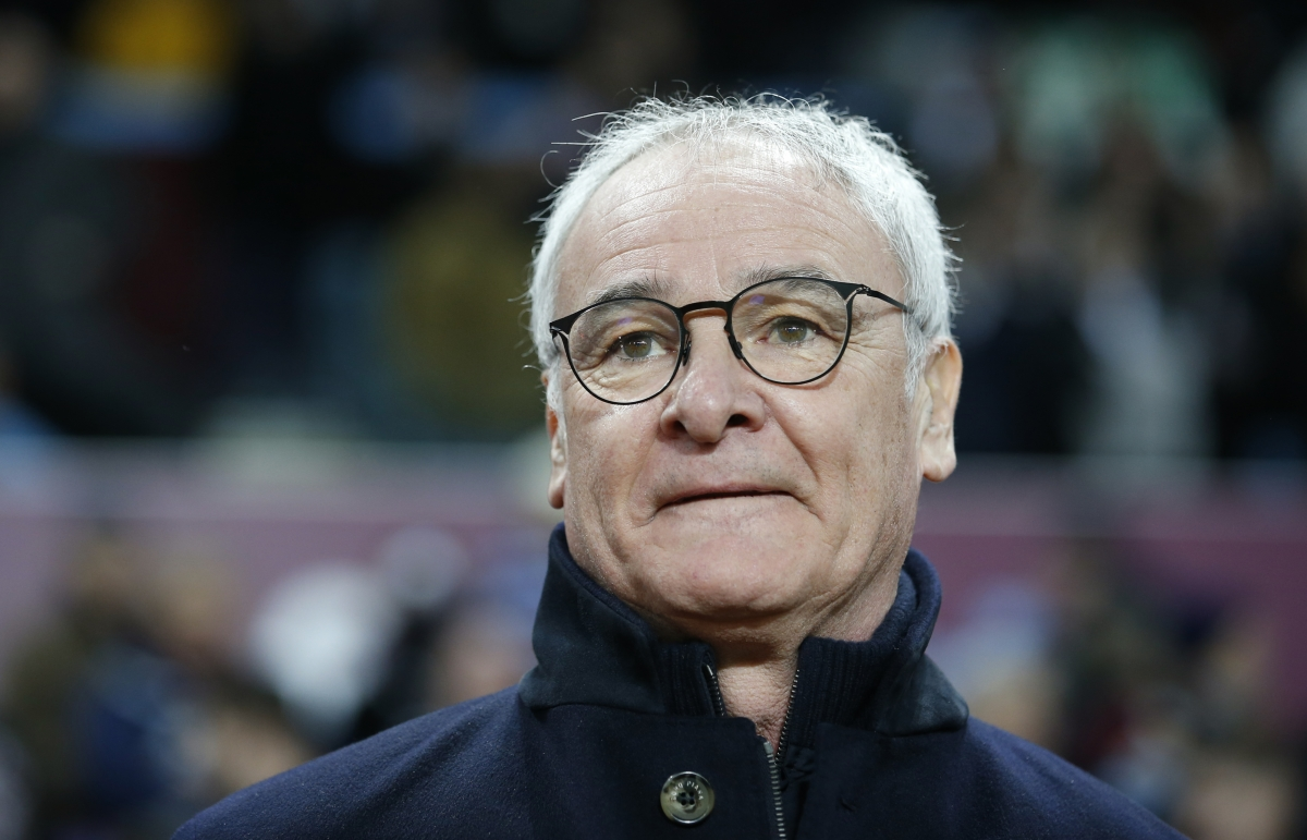 Claudio Ranieri pitch-side