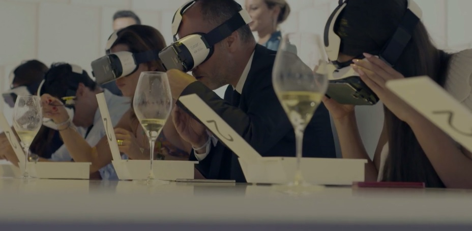 Virtual reality dining with Samsung Gear VR