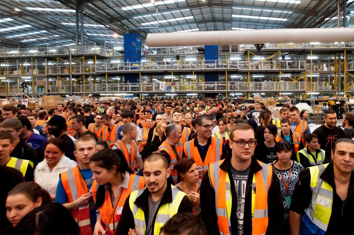 Amazon to create jobs in UK