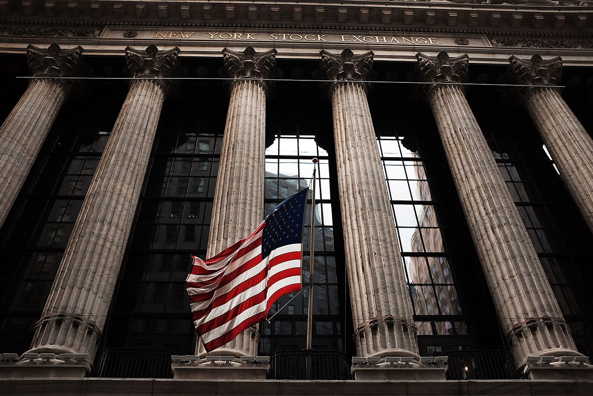 When does the new york stock exchange open uk time