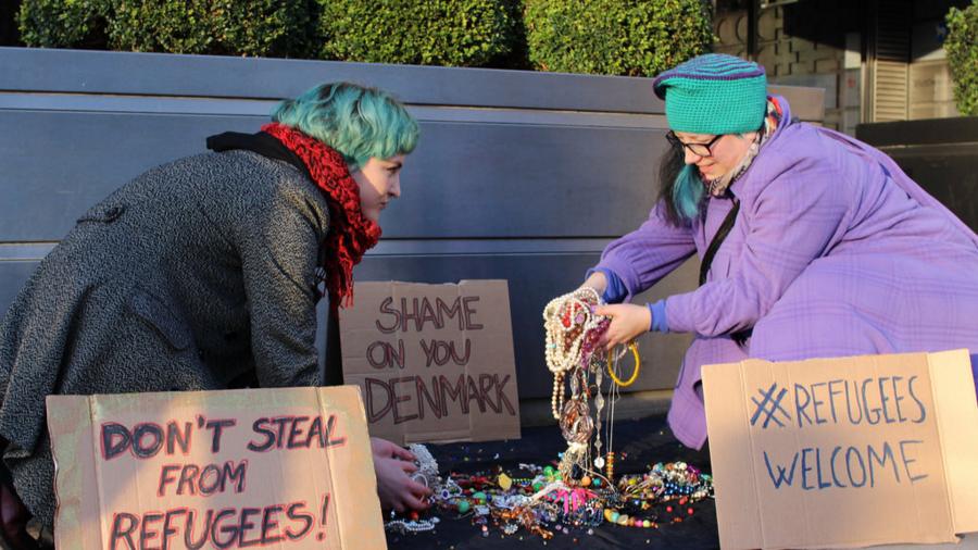 LGSMigrants protest at the Danish embassy