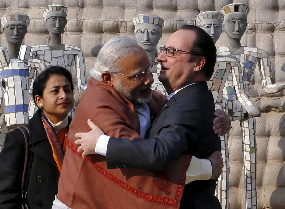 Narendra Modi, Francis Hollande