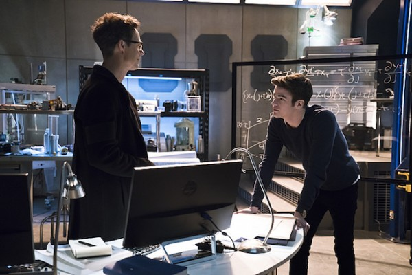 Flash season 2 episode 12
