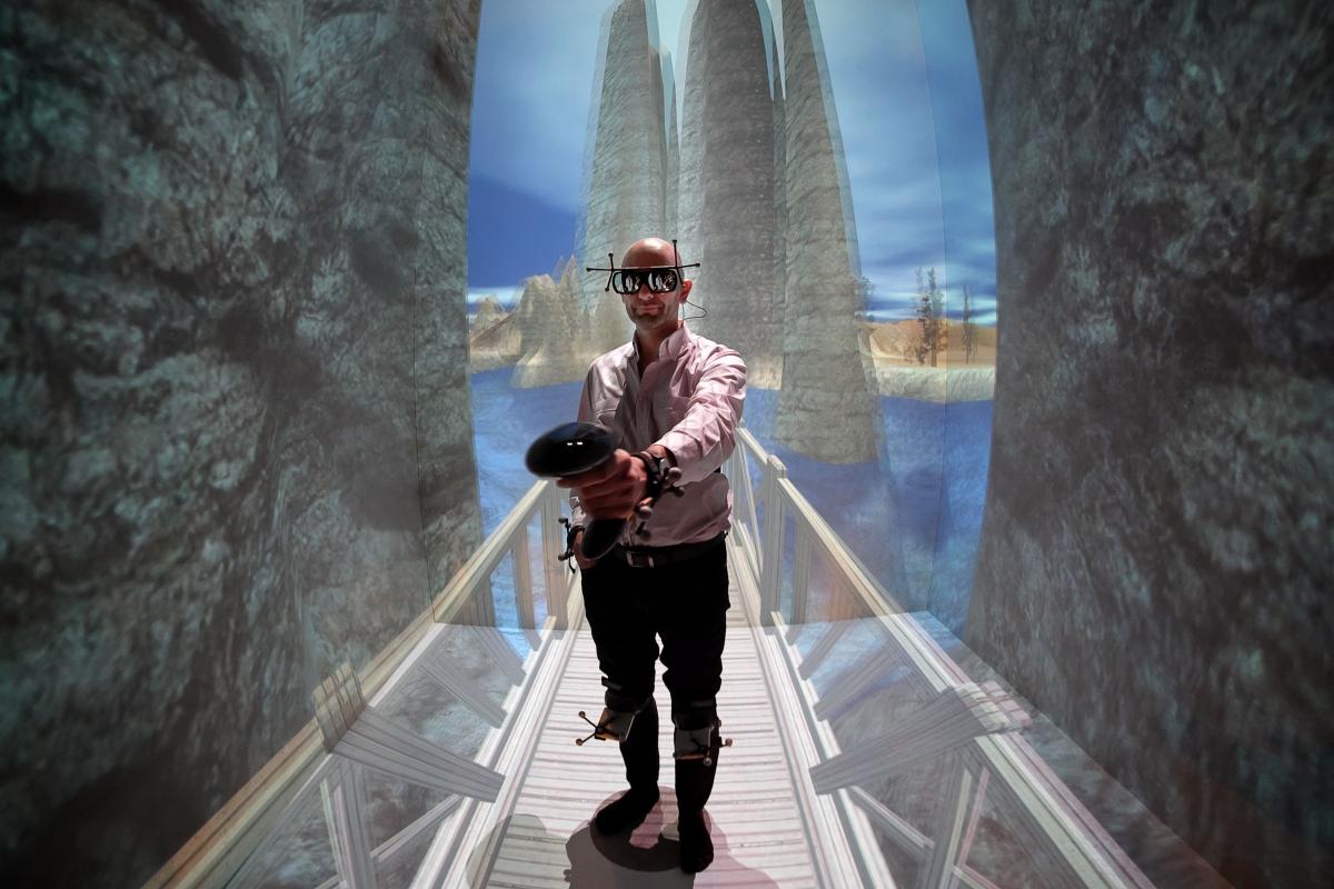 Apple working on virtual reality headset