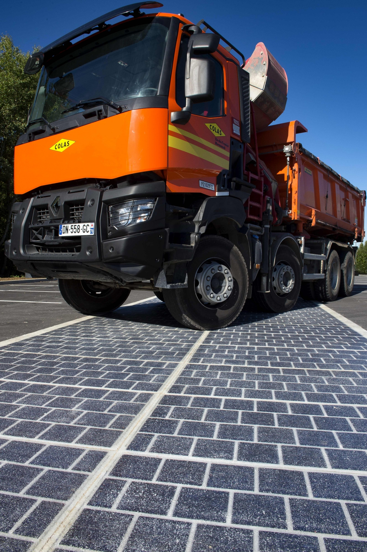 France To Roll Out Futuristic Solar Roads To Power